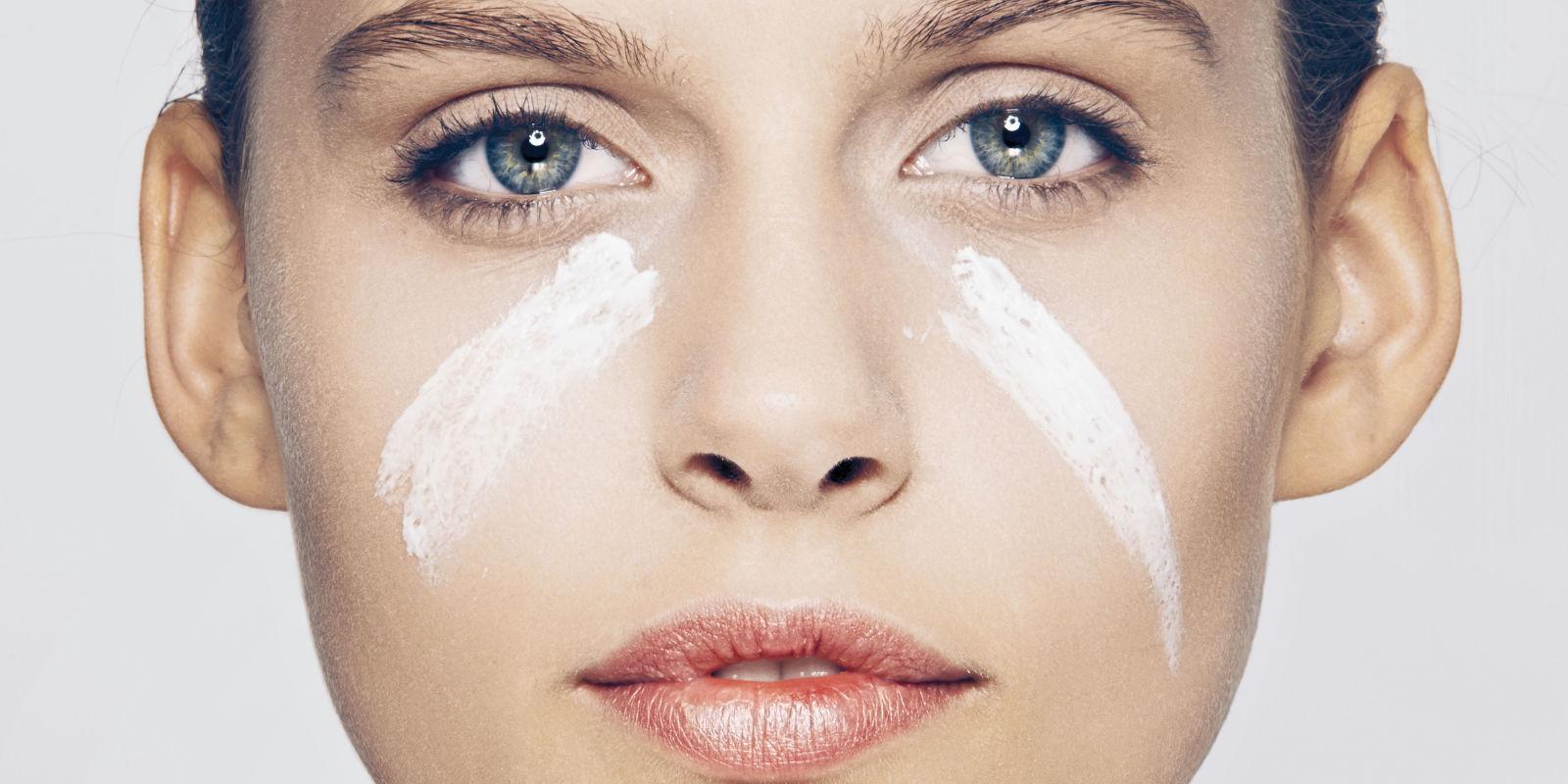 Rejuvenating make-up, i.e. How make face look younger?